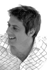 Prof Iain Stewart